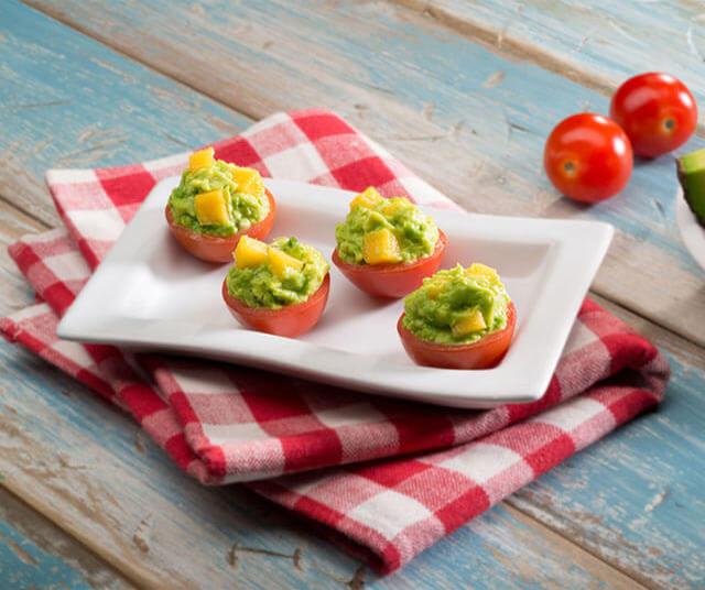 Tomatitos Rellenos De Guacamole y Mango