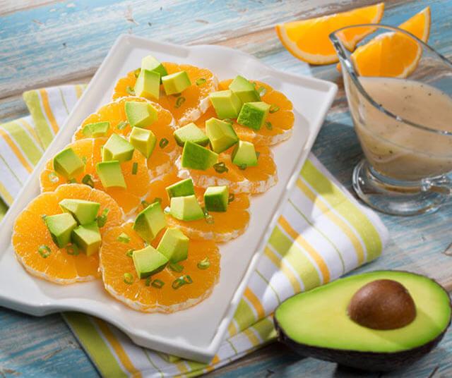 Ensalada De Naranja y Aguacate Con Aderezo De Miel